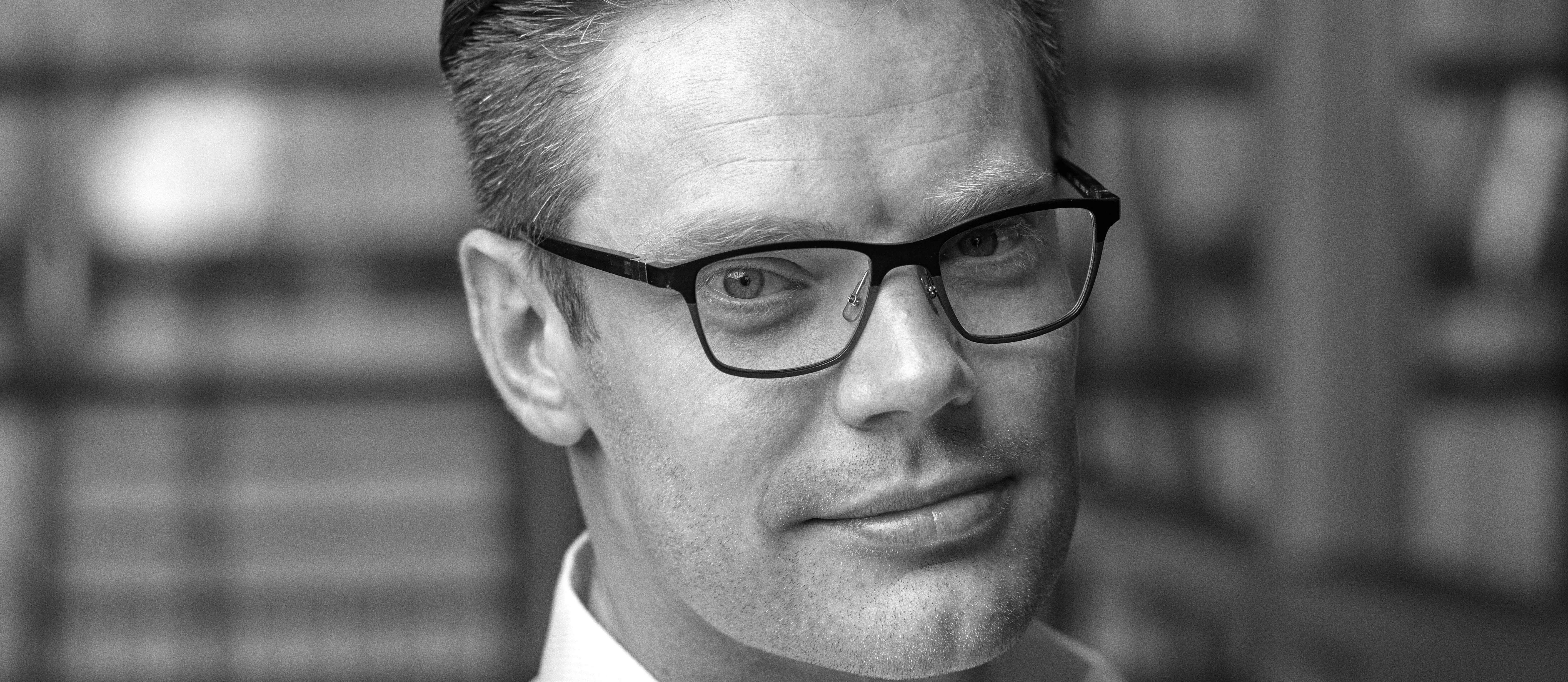 Na Drukwerkdeal gaat oprichter Marco Aarnink met Print.com all the way: hij stopt alles wat hij heeft in zijn internationale droom. Lees verder op Brookz