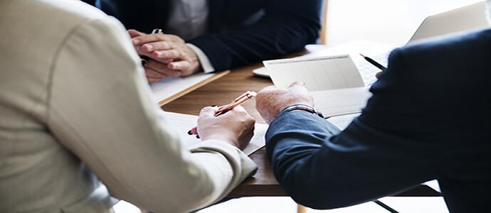 Sinds de coronauitbraak begin dit jaar probeerden veel kopers onder overnamecontracten uit te komen. Is dit juridisch gezien verstandig? Lees het op Brookz